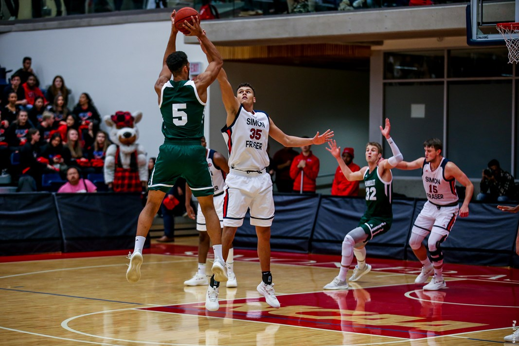 SFU men's basketball win second straight game against top ...